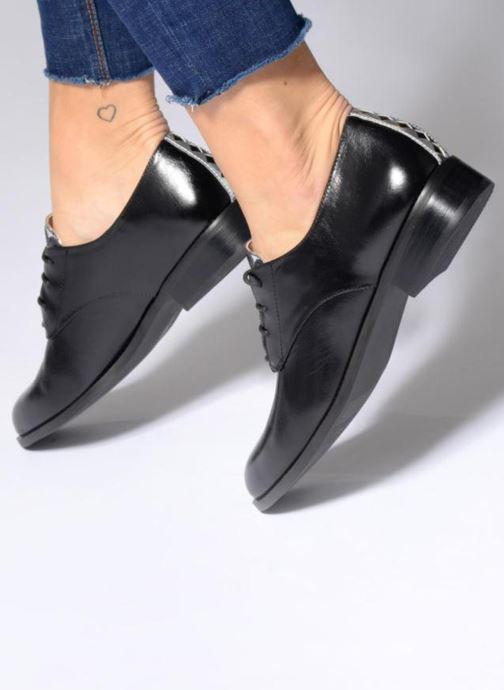 Chaussures à lacets Mellow Yellow CEA Argent vue bas / vue portée sac