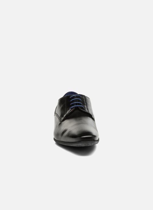Scarpe con lacci Azzaro AREDLEY Nero modello indossato