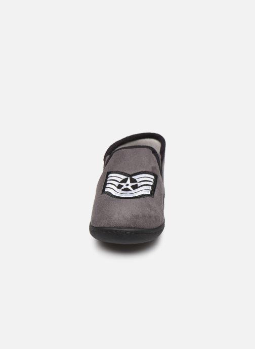Chaussons Isotoner Mocassin Gris vue portées chaussures