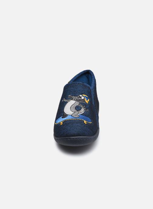 Chaussons Isotoner Mocassin Bleu vue portées chaussures