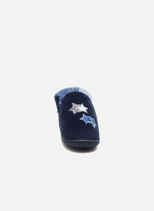 Chaussons Isotoner Botillon Zip Polyvelours Bleu vue portées chaussures