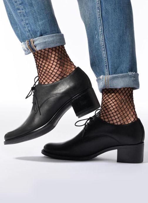 Chaussures à lacets Georgia Rose Nelace Noir vue bas / vue portée sac