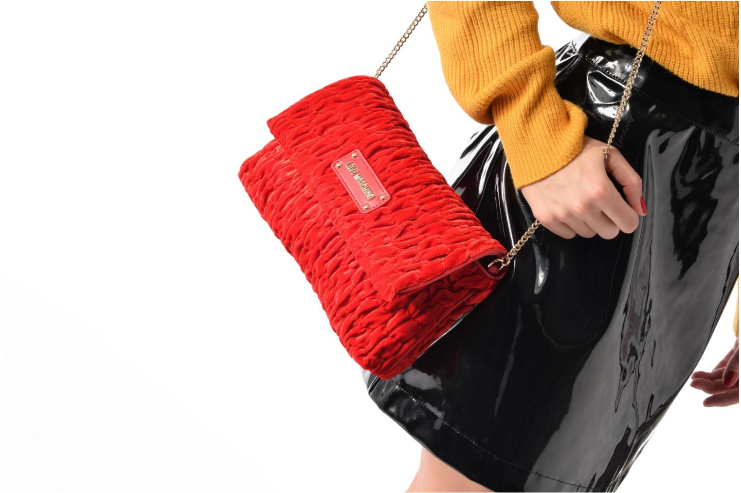 Handbags Love Moschino Pochette Chaine Velvet Red view from above