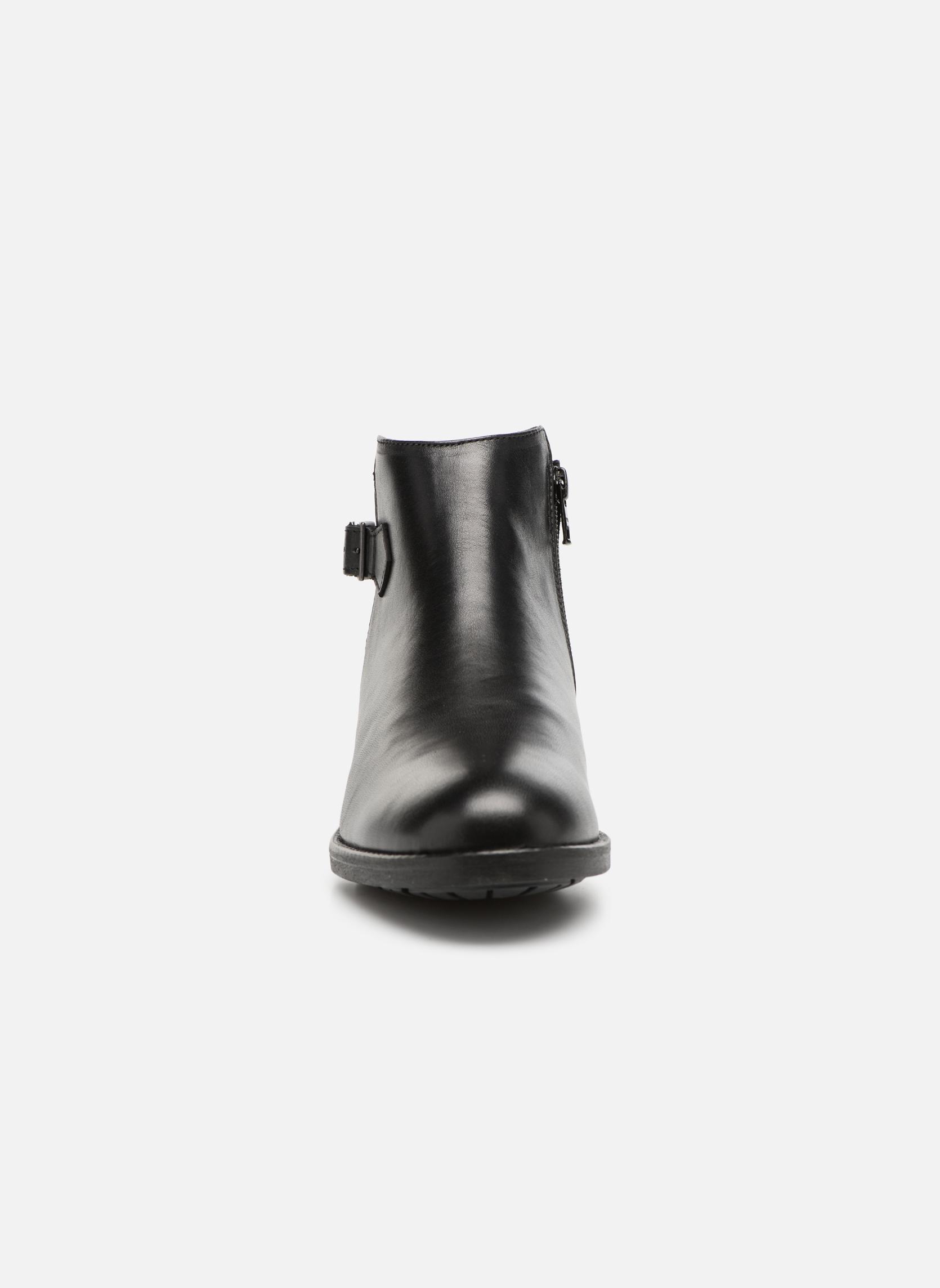 Bottines et boots Aigle Chante Low Noir vue portées chaussures