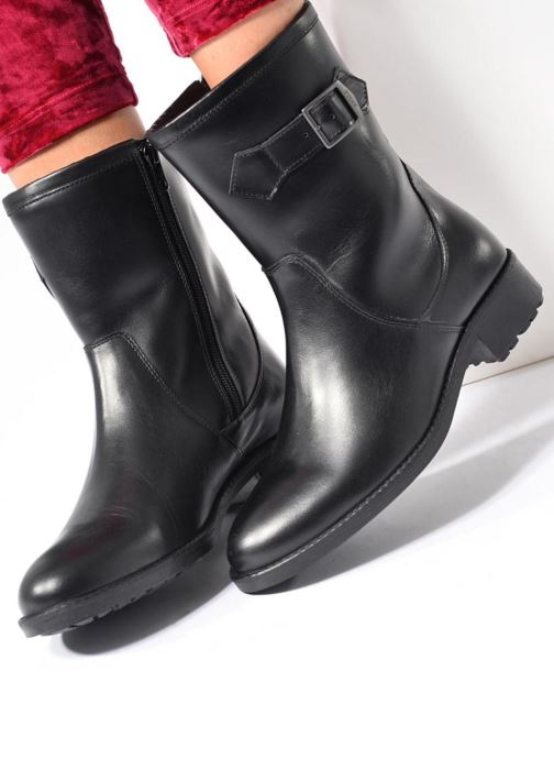 Ankle boots Aigle Chante Mid Fur Black view from underneath / model view
