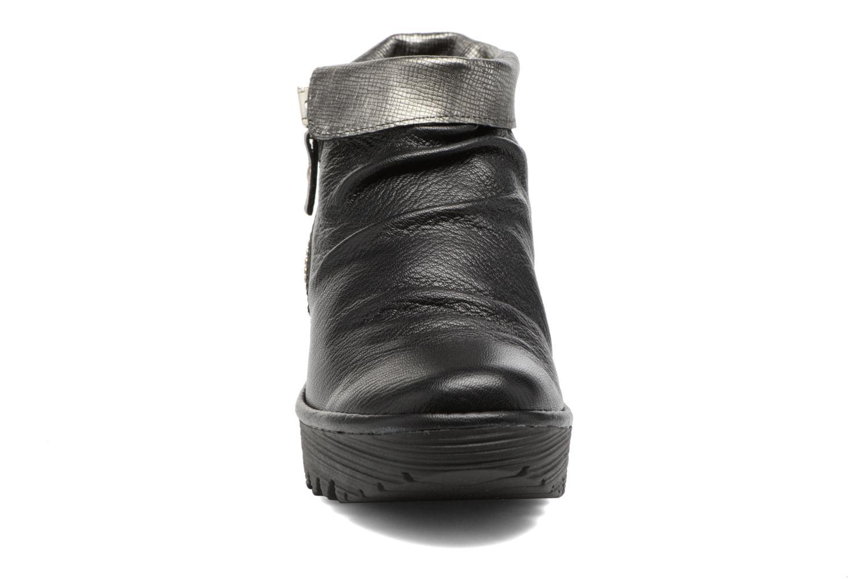 Bottines et boots Fly London YOXI Noir vue portées chaussures