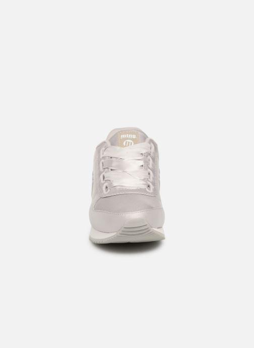 Sneakers MTNG Stela Grigio modello indossato