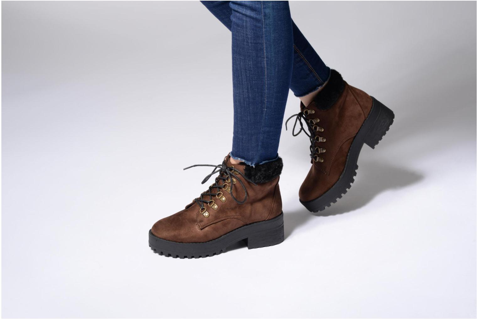 Ankle boots Coolway Moscu Brown view from underneath / model view