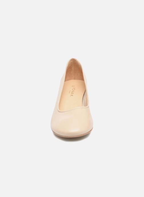 Zapatos de tacón Jonak Aura Beige vista del modelo
