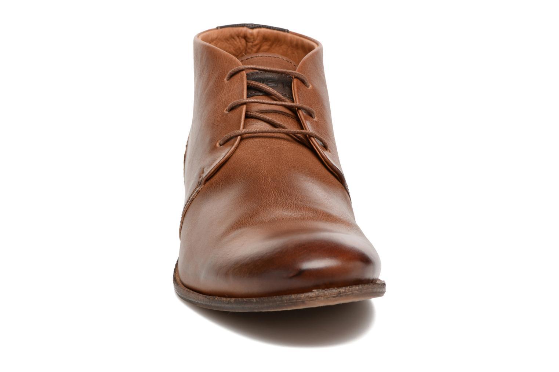 Scarpe con lacci Kost Sarre 1 Marrone modello indossato