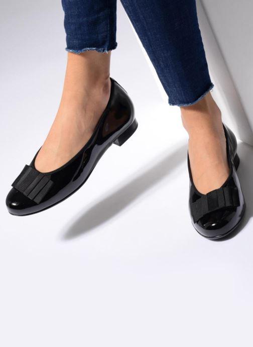 Ballerinas Hassia Fermo 914 schwarz ansicht von unten / tasche getragen