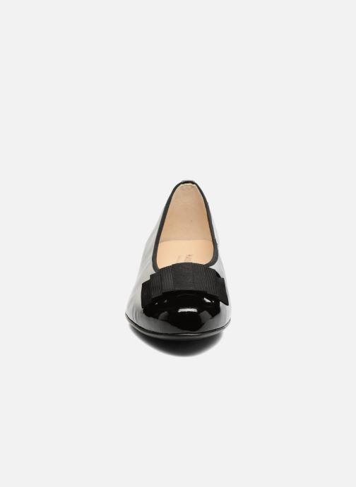 Ballerinas Hassia Fermo 914 schwarz schuhe getragen