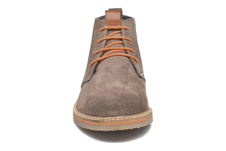 Scarpe con lacci Gioseppo 42253 Marrone modello indossato