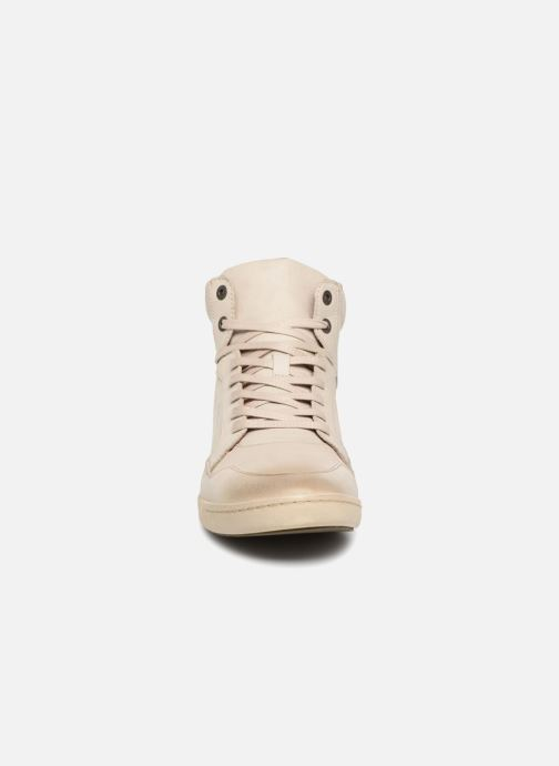 Baskets Kickers CROSSOVER Blanc vue portées chaussures