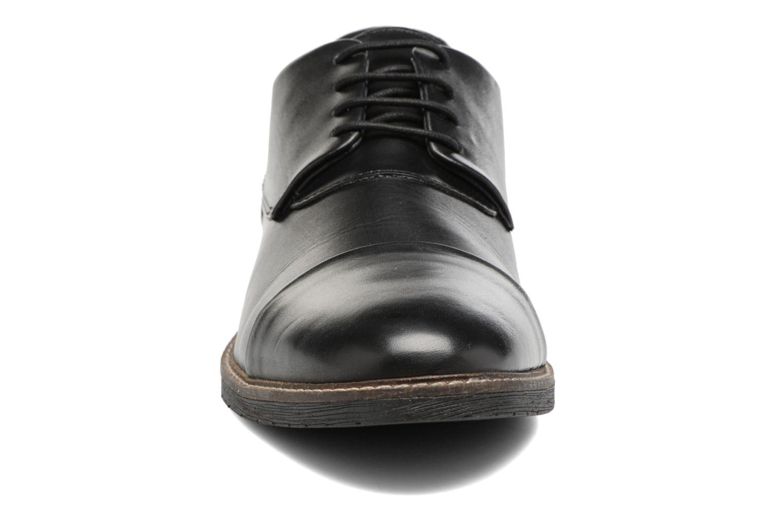 Chaussures à lacets Kickers MATYS Noir vue portées chaussures