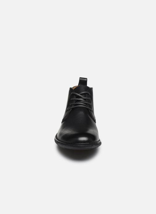 Zapatos con cordones Kickers SWIRATAN Negro vista del modelo