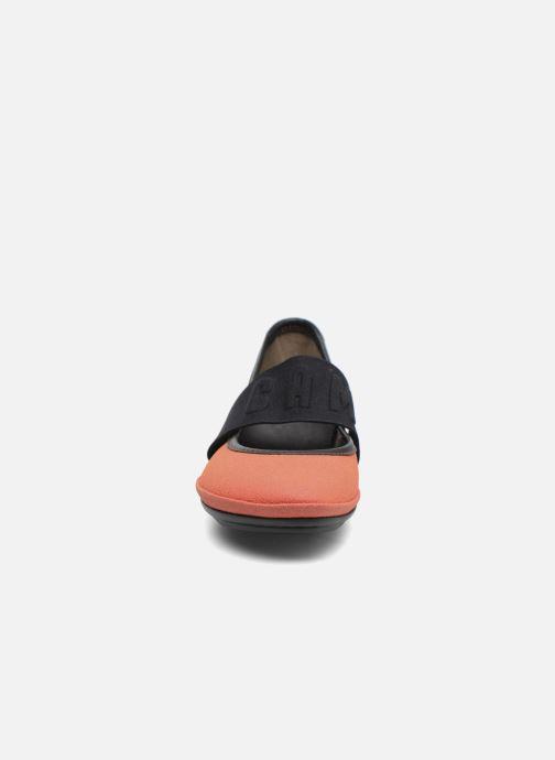 Ballerine Camper TWS K200144 Arancione modello indossato