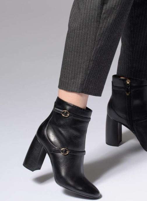Ankle boots What For Thomas Black view from underneath / model view
