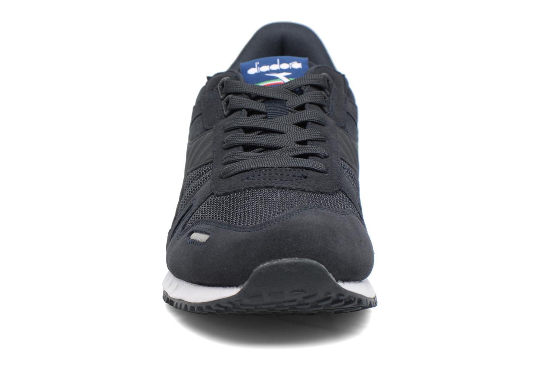 Baskets Diadora TITAN II Noir vue portées chaussures