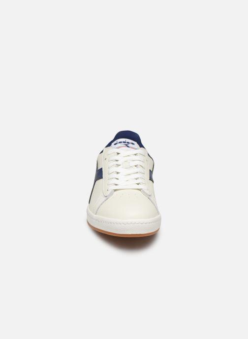 Baskets Diadora GAME L LOW Blanc vue portées chaussures