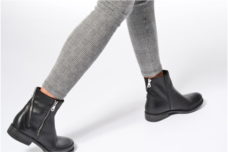 Bottines et boots Georgia Rose Matrac Noir vue bas / vue portée sac