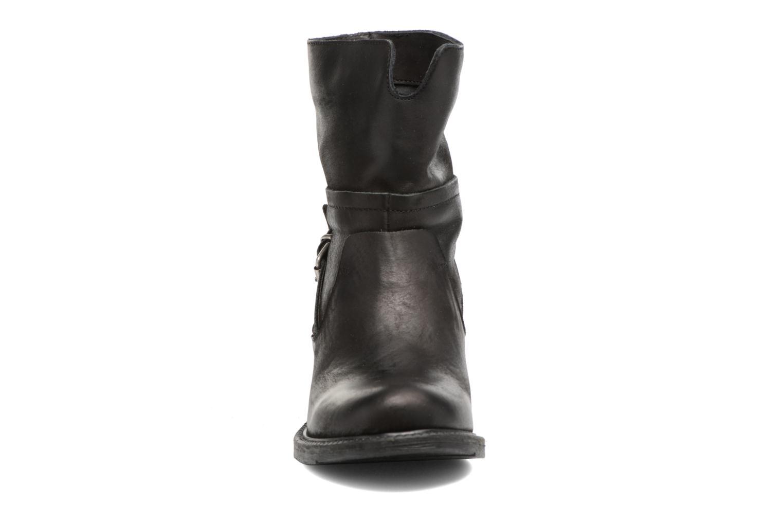 Bottines et boots Georgia Rose Mamour Noir vue portées chaussures