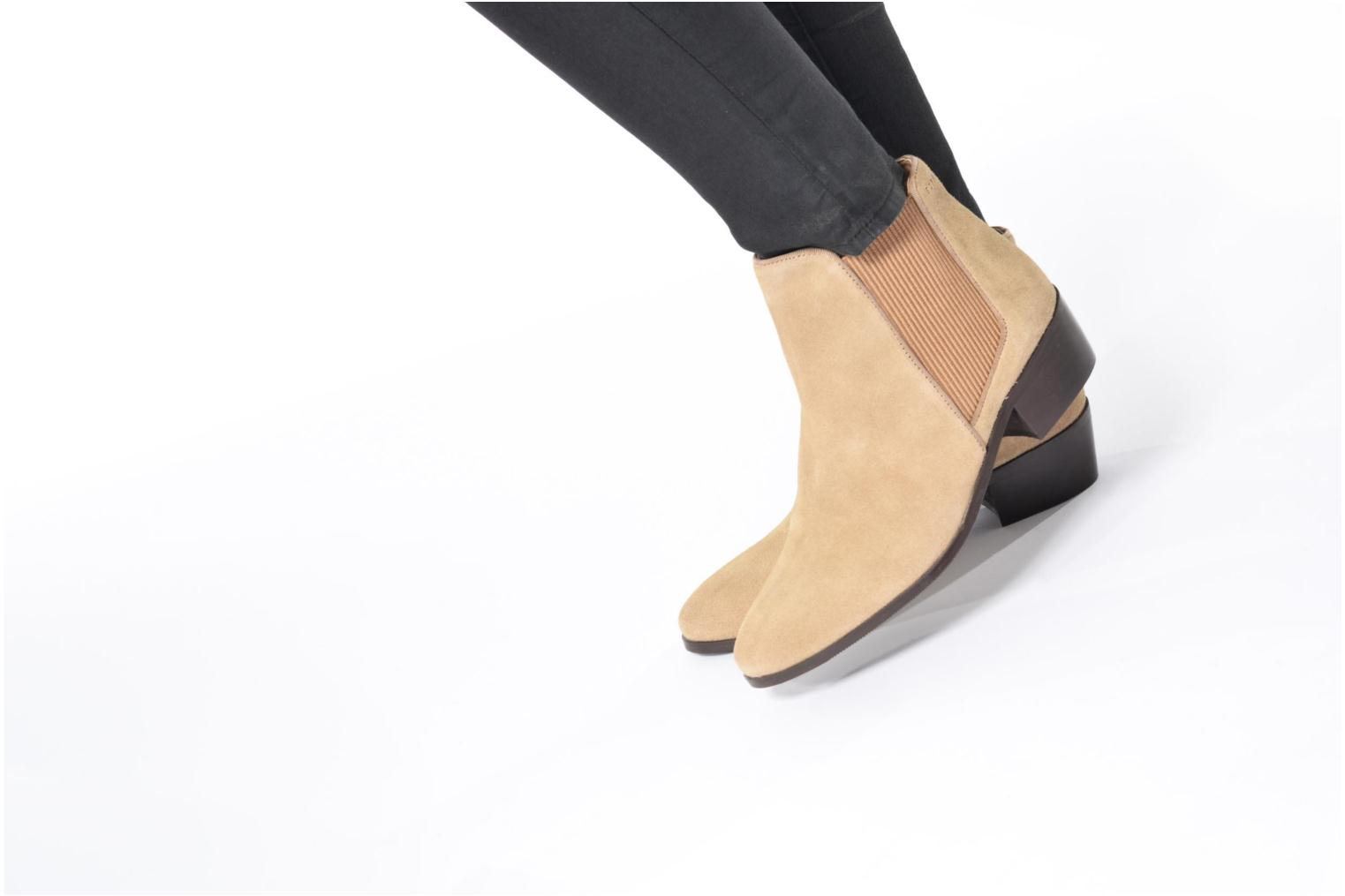 Ankle boots Esprit YUE BOOTIE Brown view from underneath / model view