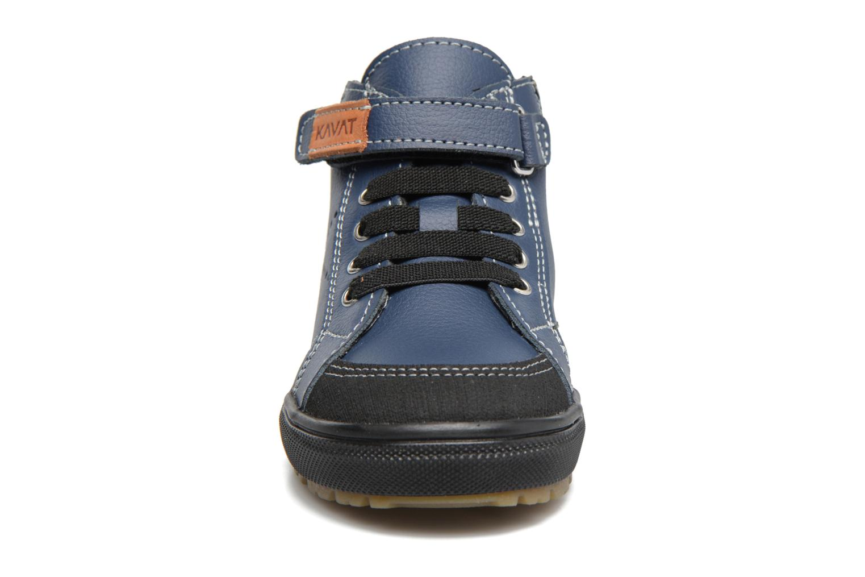 Sneakers Kavat Vasterby XC Azzurro modello indossato
