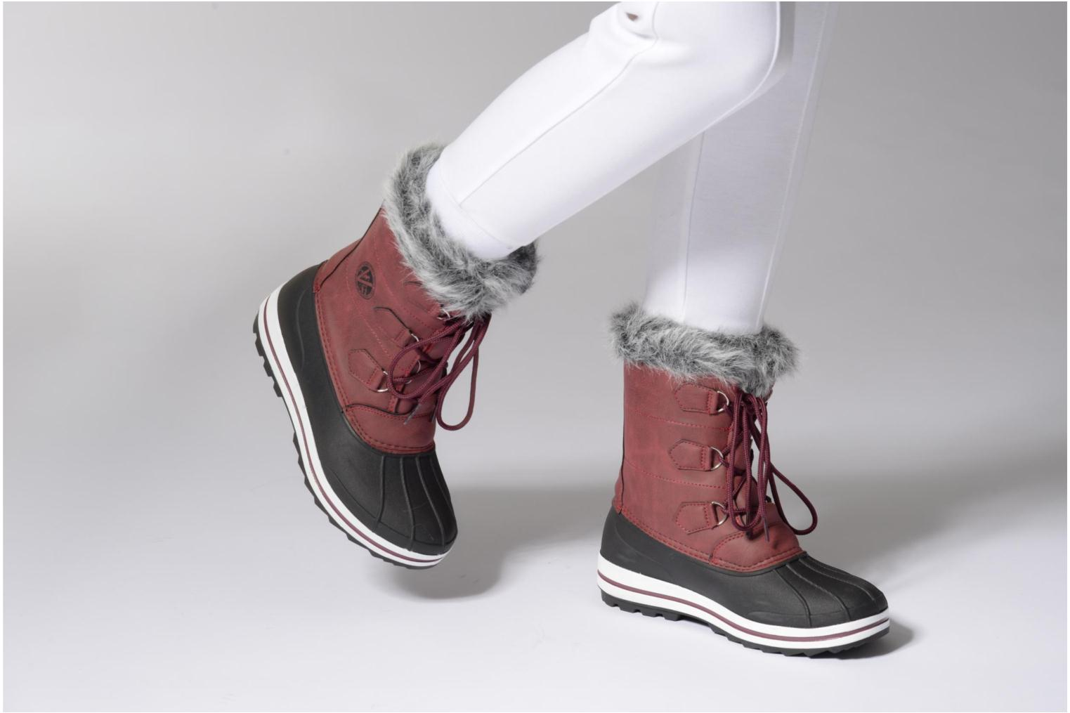 Sport shoes Kimberfeel Adriana 2 Burgundy view from underneath / model view
