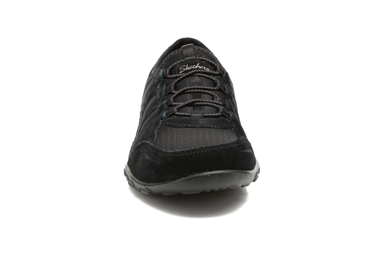 Baskets Skechers Breathe-Easy - Moneybags Noir vue portées chaussures