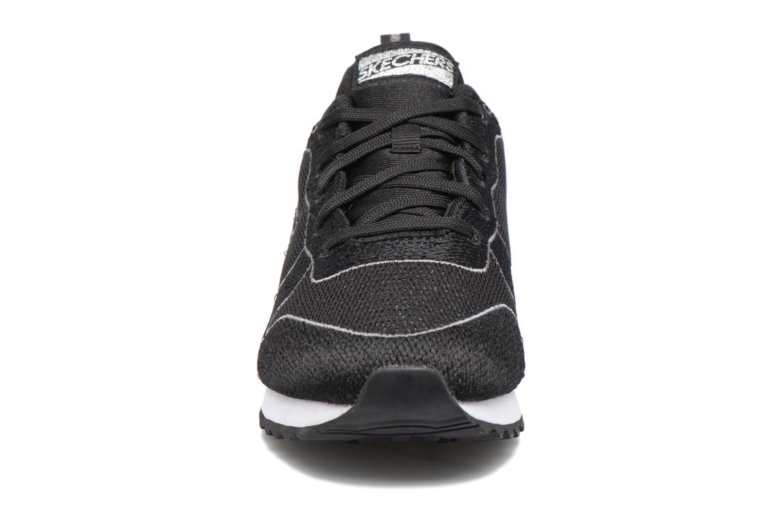 Sneakers Skechers OG 84 Sort se skoene på