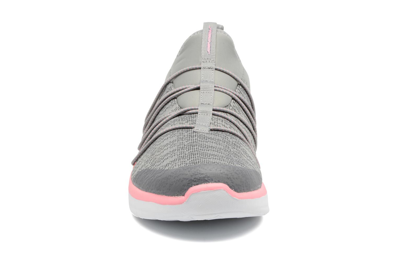 Zapatillas de deporte Skechers Synergy 2.0 Simply Chic Gris vista del modelo