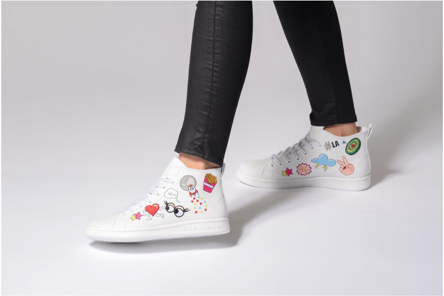 Trainers Skechers Omne So L.A. White view from underneath / model view