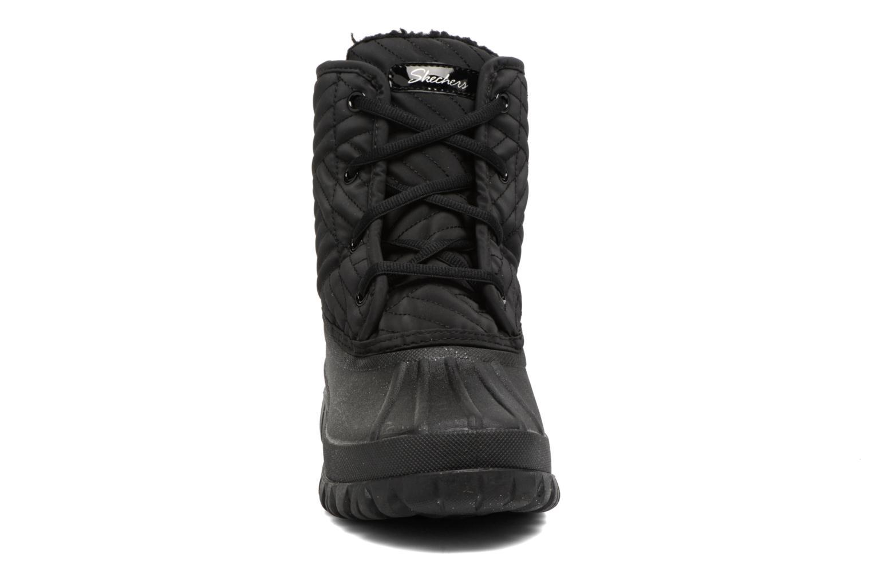 Chaussures de sport Skechers Windom dry spell Noir vue portées chaussures
