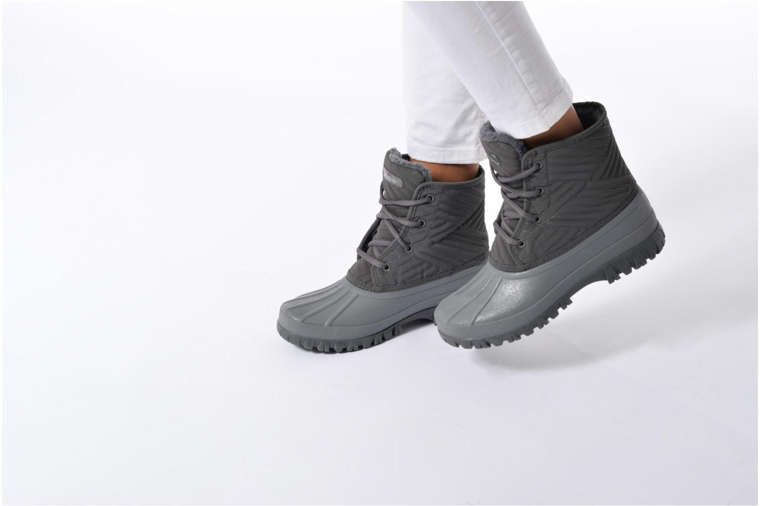 Sport shoes Skechers Windom dry spell Grey view from underneath / model view