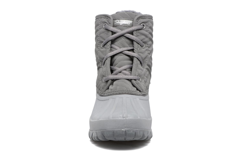 Sportschuhe Skechers Windom dry spell grau schuhe getragen