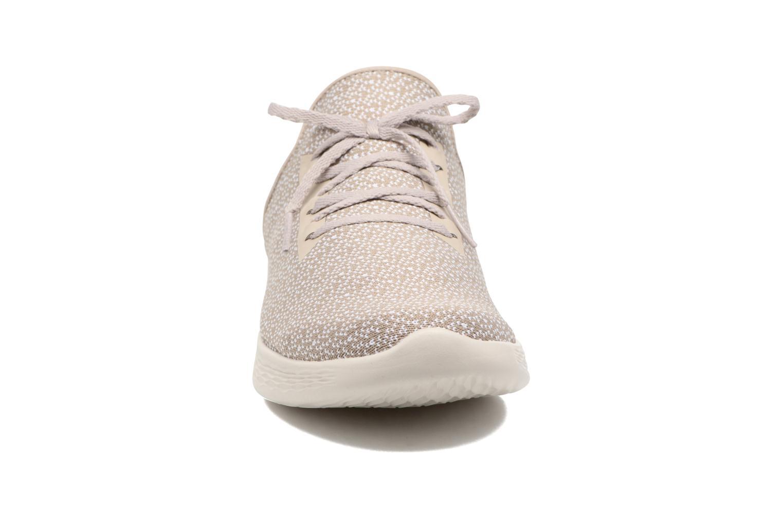 Chaussures de sport Skechers You Inspire Beige vue portées chaussures