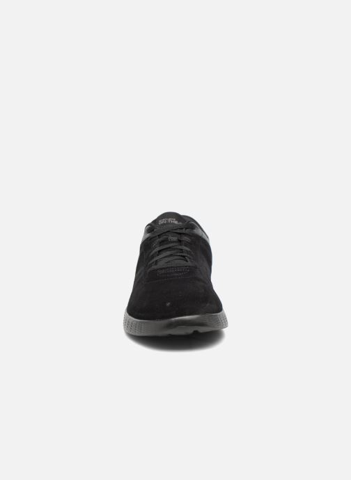 Deportivas Skechers On-the-go Glide Sharp Negro vista del modelo