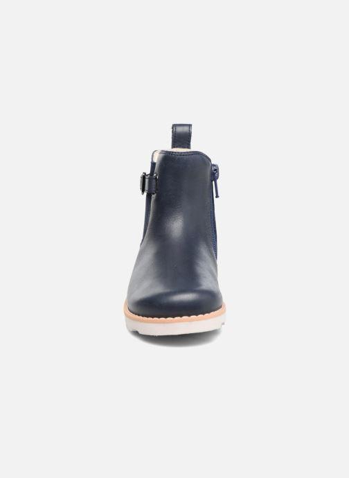 Bottines et boots Clarks Crown Art Inf Bleu vue portées chaussures