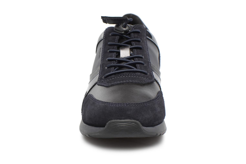 Baskets Geox D Deynna E D746FE Bleu vue portées chaussures