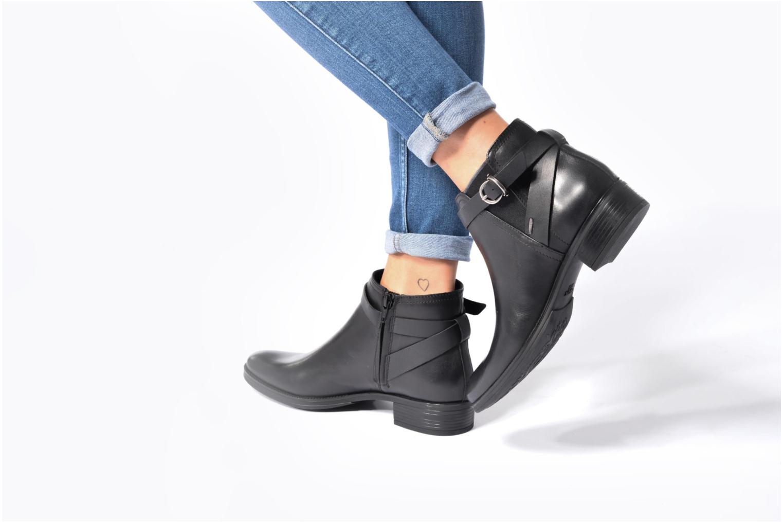 Bottines et boots Geox D Mendi Np Abx D D746SD Noir vue bas / vue portée sac