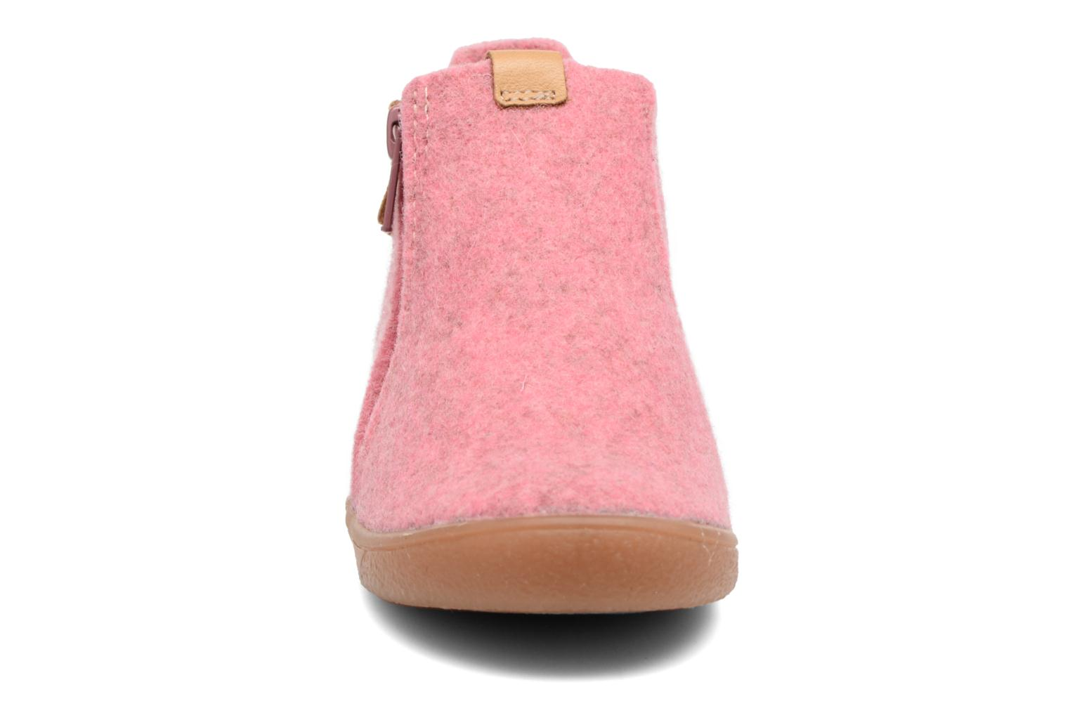 Slippers Babybotte Marguerite Pink model view