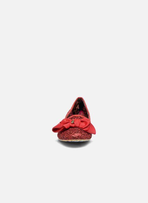 Ballerines Irregular Choice Sulu Rouge vue portées chaussures