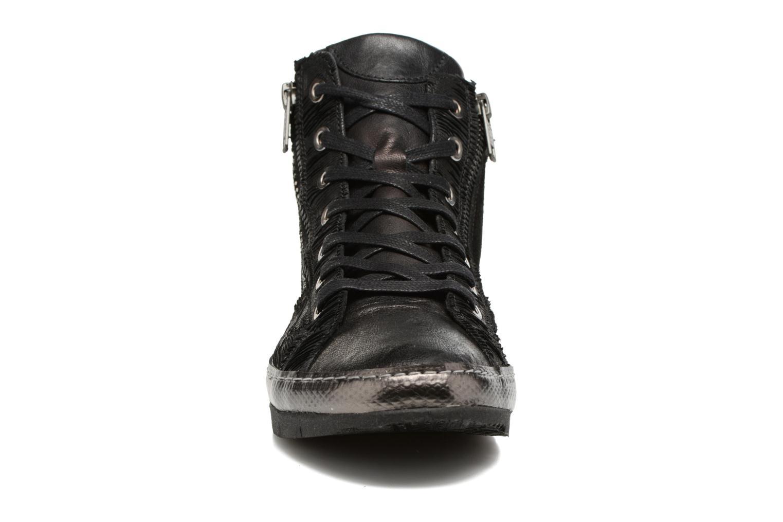 Baskets Khrio Pozire Noir vue portées chaussures