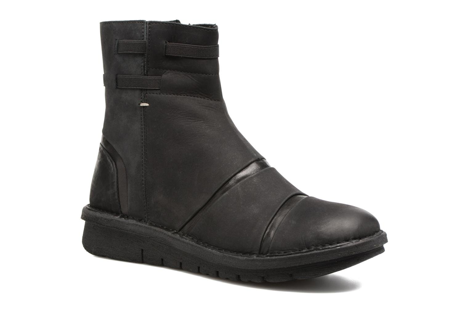 Ankle boots Khrio Todese Black detailed view/ Pair view