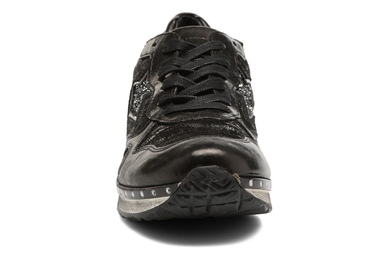 Baskets Khrio Giselea Noir vue portées chaussures
