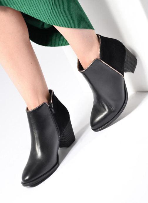 Bottines et boots Georgia Rose Catalon Noir vue bas / vue portée sac
