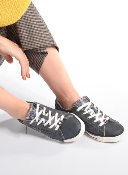 Sneaker Mustang shoes Jefi weinrot ansicht von unten / tasche getragen