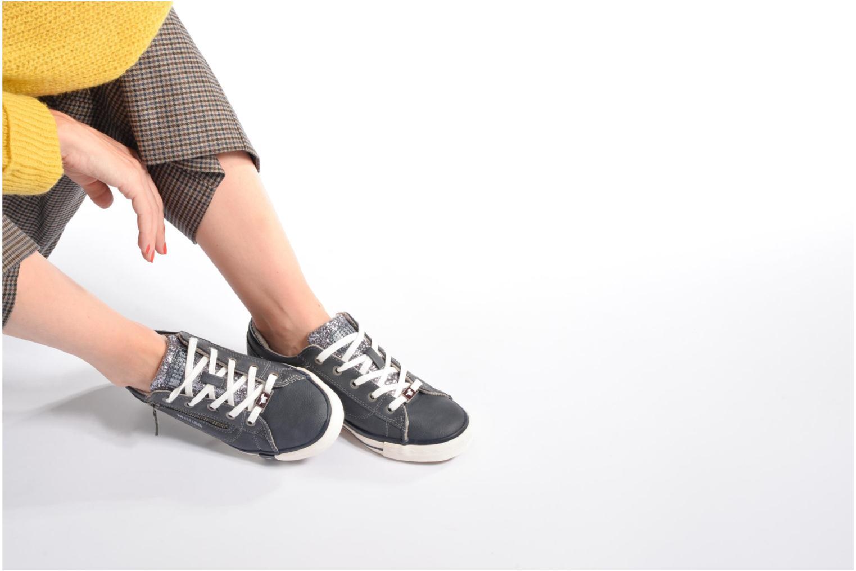 Baskets Mustang shoes Jefi Bleu vue bas / vue portée sac