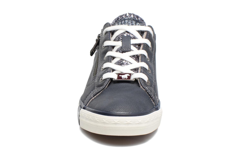 Baskets Mustang shoes Jefi Bleu vue portées chaussures
